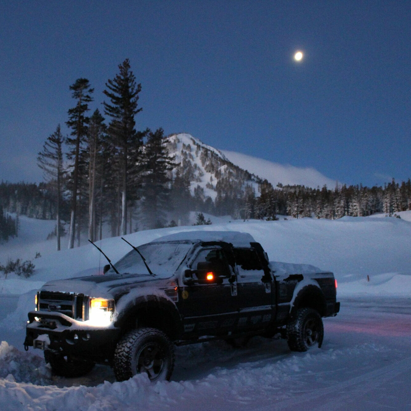 My 08 Ford Super Duty - Working hard in Mammoth after Snow Storm. #mammoth #Fordsuperduty